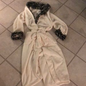 Carole Hochman robes ladies size M